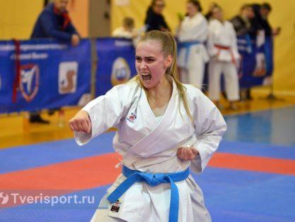 Лилия Корешкова: каратистка, красавица и первый мастер